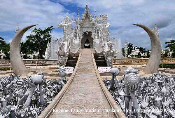 Candi Buddha Wat Rong Khun2