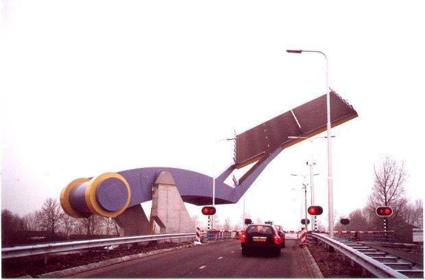 jembatan robot3
